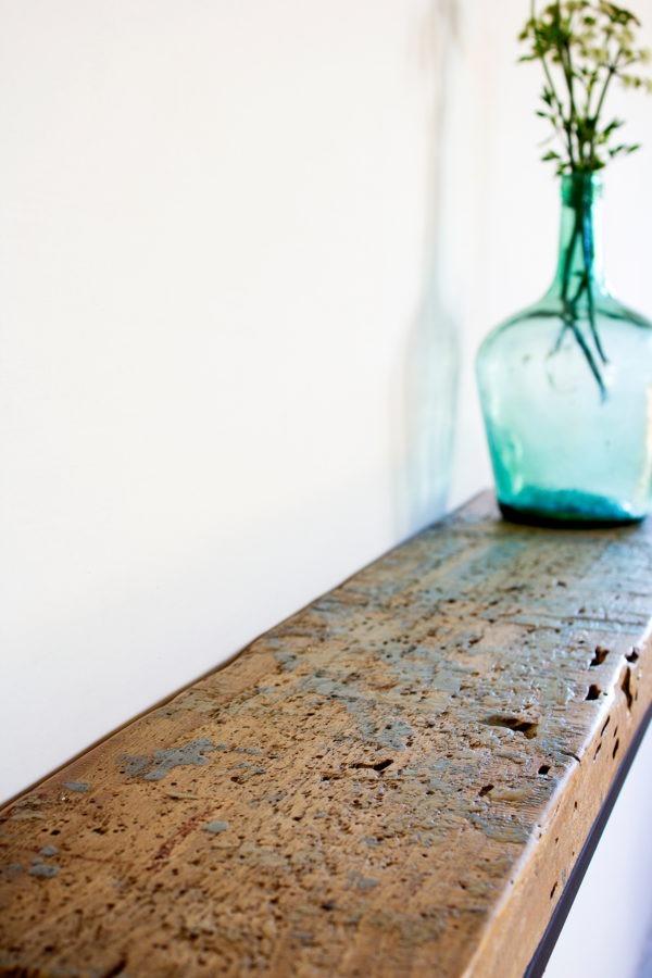 Consola industrial madera recuperada detalle pintura