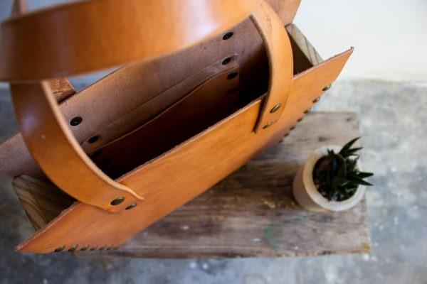 tote bag cuero y madera recuperada detalle interior